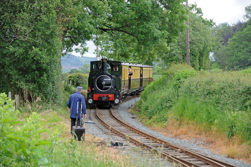 On our return to Welshpool we passed the vintage train at Cyfronydd