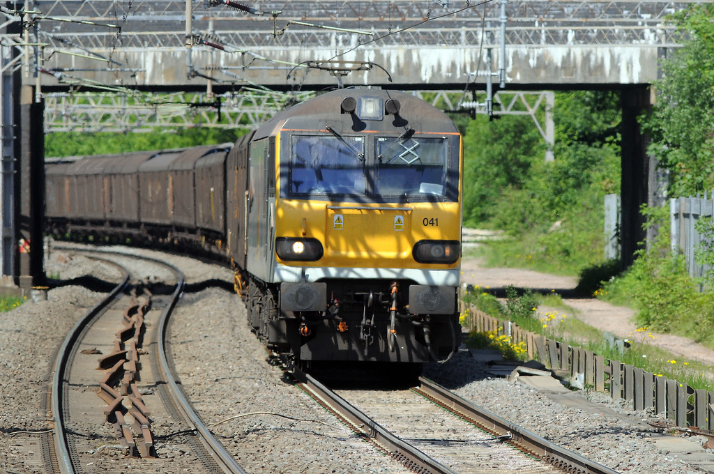 I will have to try this shot again, avoiding the catenary shadow :-(