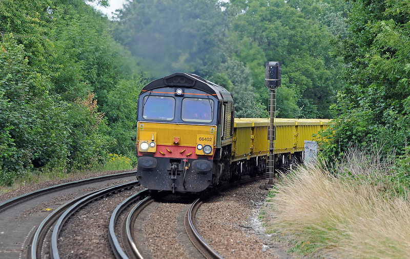 The following day I was at Riddlesdown, just to the south of Croydon. 66402 had taken over from 66707