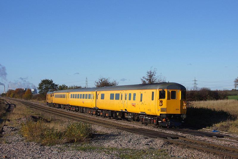 9701 Returns from Knottingley and is seen passing through Whitley bridge with 1Q13.19/11/2013.Sony A65.