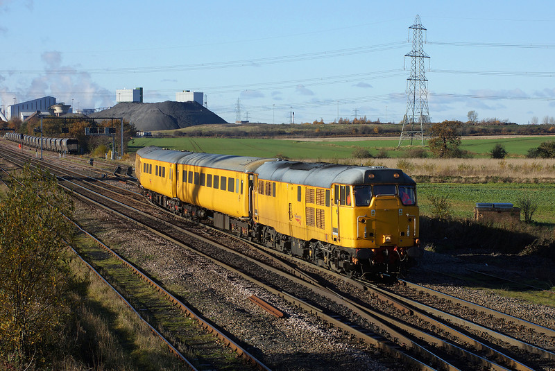31465 exits kellingley loop in charge of 1Q13.19/11/2013.Sony A65.