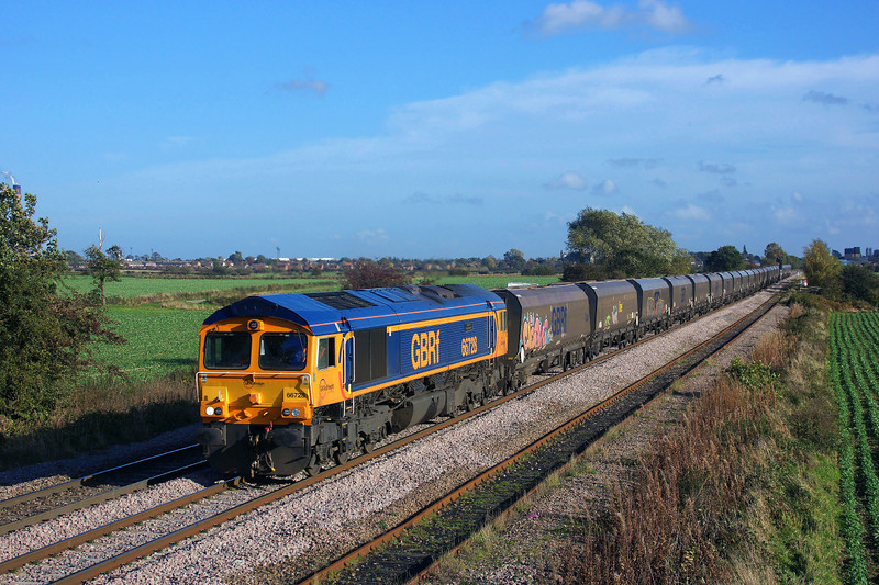 66728 Races towards knottingley in charge of 4D21 14:35 Eggborough P.S. (Gbrf) to Doncaster Down Decoy.25/10/2013.Sony A65.