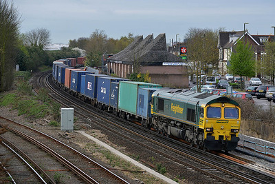 Class 66 No 66503 at Eastleigh on 4 April 2014 with the 4M28 09:32 Southampton Maritime – Ditton (Oconnor)