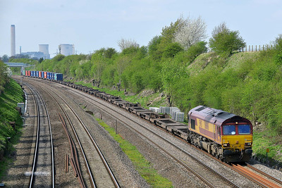 Class 66 No 66066 at South Morton on 9 April 2014 with the 4O21 09:19 Trafford Park Euro Terminal – Southampton Western Dock