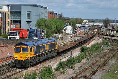 Class 66 No 66740 at Eastleigh on 9 April 2014 with the 6O81 18:10 Mossend PD Stirling - Southampton W Docks