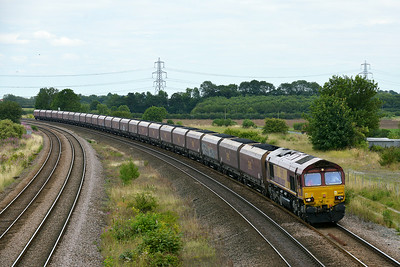 Class 66 No 66129 at Burton Salmon  on 7 August 2014 with the 6H60 10:49 Humber International Term – Drax Power Station