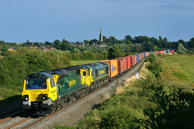 Class 70 No 70015/66594 at Kings Sutton on 13 August 2014 with the 4M62 14:50 Southampton M.C.T. - Hams Hall Parsec