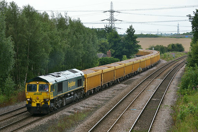 Class 66 No 66524 at Burton Salmon  on 7 August 2014 with the 6Z91 10:18 Mountsorrel Sidings – Tyne S.S.
