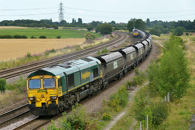 Class 66 No 66528 at Burton Salmon  on 7 August 2014 with the 6E94 23:53 Hunterston High Level – Drax Power Station