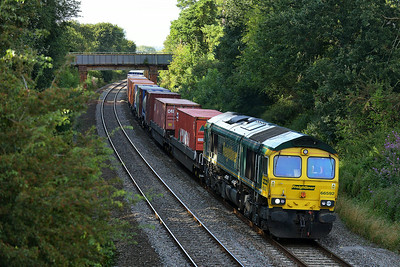Class 66 No 66592 at Kings Sutton on 13 August 2014 with the 4O55 12:12 Leeds F.L.T. - Southampton M.C.T.