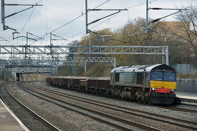 Class 66 No 66425 at Tamworth on 19 February 2014 with the 6Y45 10:42 Crewe Basford Hall S.S.M. – Rugby C.S.