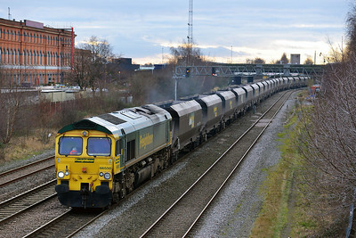 Class 66 No 66550 at Burton-on-Trent on 19 February 2014 with the 4E72 12:33 Rugeley Power Station – Doncaster Down Decoy
