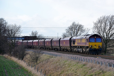 Class 66 No 66070 at Heck Ings Crossing on 21 February 2014 with the 6H15 10:14 Immingham Hargreaves C.T. – Drax Power Station