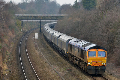Class 66 No 66727 in Horbury Cutting on 17 February 2014 with the 6H62 05:20 Tuebrook Sidings – Drax Power Station