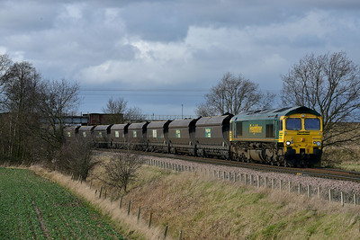 Class 66 No 66563 at Heck Ings Crossing on 21 February 2014 with the 6H67 12:19 Kellingley Colliery – Drax Power Station