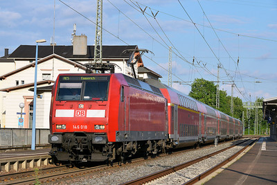 Class 146 No 146018 at Remagen on 14 June 2014