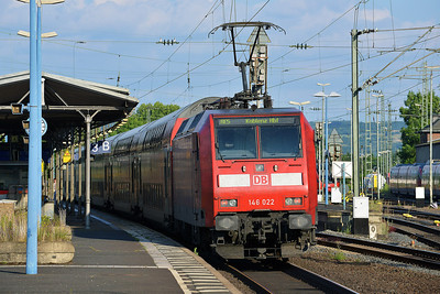 Class 146 No 146022 at Remagen on 14 June 2014