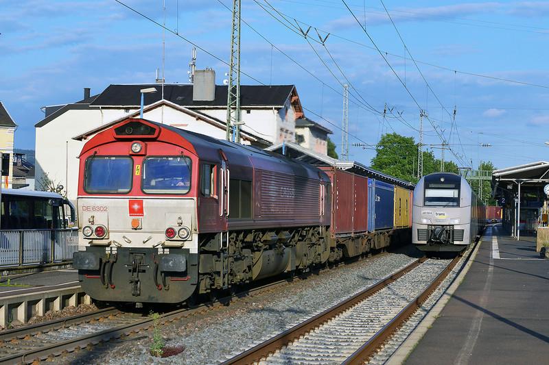 Crossrail Class 66 No DE6302 at Remagen on 14 June 2014