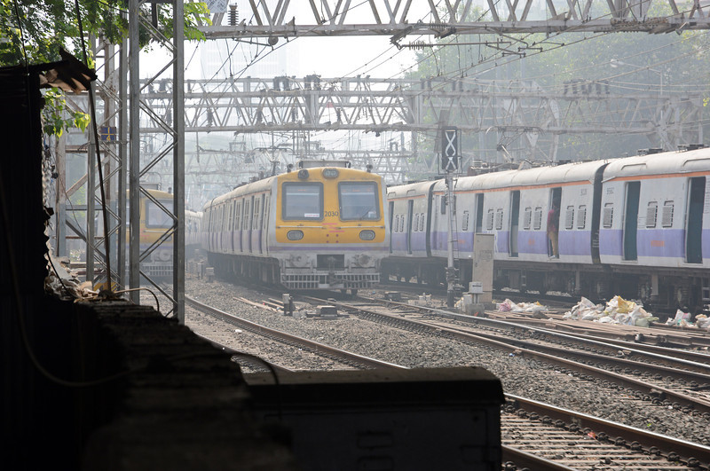 A trio of MU's, two inbound (left and right) and one outbound (centre) at Marine Lines. The Western Railway operates 12 and 15 car trains on the lines too and from Churchgate.