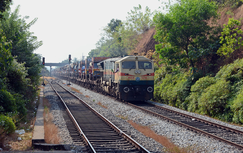 About 20 minutes after leaving Karwar we were put into the hole once again, this time for a northbound piggyback train behind WDG4 12782...