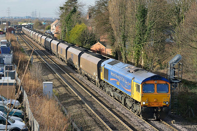 Class 66 No 66719 at Whitley Bridge on 16 January 2014 with the 6C09 08:45 Immingham H.I.T. – Eggborough Power Station