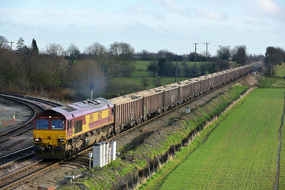Class 66 No 66132 at Whitley Bridge on 16 January 2014 with the 6D08 11:06 Drax Power Station – Gascoigne Wood