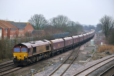 Class 66 No 66085 at Church Fenton on 31 January 2014 with the 4N17 06:23 Cottam Power Station – North Blyth