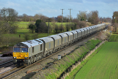 Class 66 No 66748 at Whitley Bridge on 16 January 2014 with the 4N61 12:45 Drax Power Station – Tyne Coal Terminal