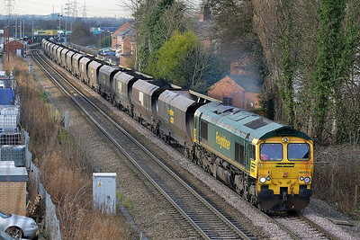 Class 66 No 66560 at Whitley Bridge on 16 January 2014 with the 6H67 12:19 Kellingley Colliery – Drax Power Station