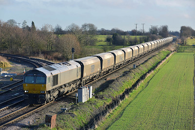 Class 66 No 66749 at Whitley Bridge on 16 January 2014 with the 4N13 09:59 Drax Power Station – Tyne Coal Terminal