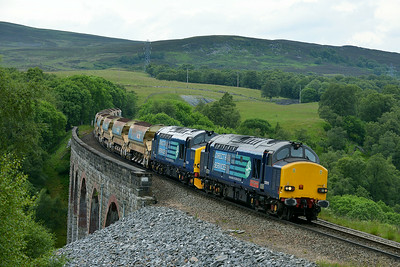 Class 37 No 37610/37259 at Slochd on 2 July 2014 with the 6K41 06:45 Achnasheen – Millerhill S.S.