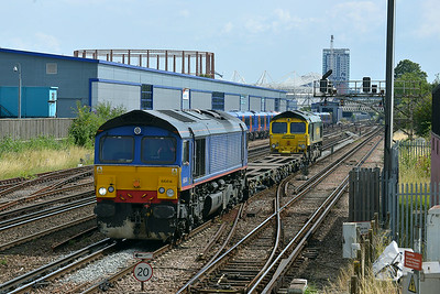 Class 66 No 66414+66542 at St Denys on 9 July 2014 with the 4Z90 14:35 Southampton M.C.T. – Eastleigh Works