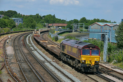 Class 66 No 66165 at St Denys on 9 July 2014 with the 6Z77 11:30 Wembley Euro Ops Centre – Southampton Western Docks