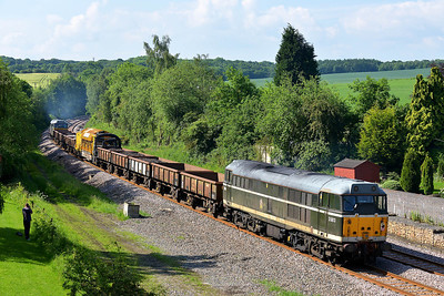 Class 31 No 31601+31190 at Crigglestone on 1 June 2014 with the 6Z42 08:48 Milford Junction – Chaddesden Sidings