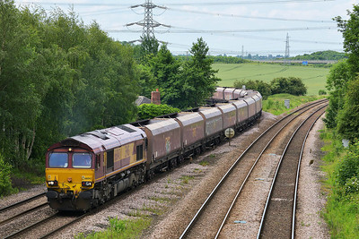 Class 66 No 66043 at Burton Salmon on 13 June 2014 with the 4N07 06:15 Cottam Power Station – North Blyth