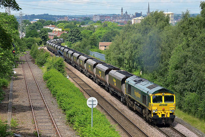 Class 66 No 66539 at Oakenshaw Junction on 11 June 2014 with the 6E76 01:41 Hunterston High Level – West Burton Power Station