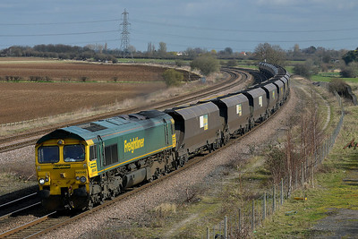 Class 66 No 66546 at Burton Salmon on 21 March 2014 with the 6E94 23:53 Hunterston High Level – Drax Power Station