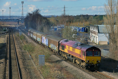 Class 66 No 66043 at Horbury Bridge on 3 March 2014 with the 6Z66 12:10 Healey Mills S.S. – Neville Hill Up Sidings