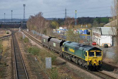 Class 66 No 66520 at Horbury Bridge on 18 March 2014 with the 4D53 10:28 Crewe Basford Hall S.S.M. – Hunslet Yard