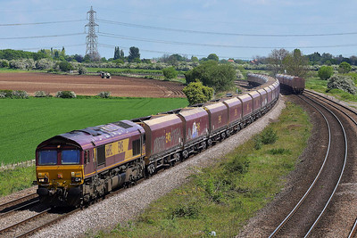 Class 66 No 66192 at Burton Salmon on 14 May 2014 with the 4D79 09:53 Redcar B.S.C. (Min.T.) – Rylstone Tilcon