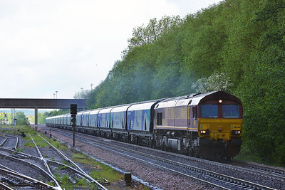 Class 66 No 66040 at Gascoigne Wood on 12 May 2014 with the 4D45 10:54 Milford West Sidings – Immingham Mineral Quay