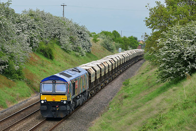 Class 66 No 66718 at Sharlston on 15 May 2014 with the 6E84 08:20 Middleton Towers – Monk Bretton Redfearns