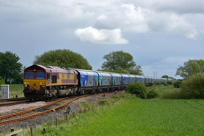 Class 66 No 66102 at Gascoigne Wood on 12 May 2014 with the 6H84 08:38 Hull Biomass Lp – Drax Power Station