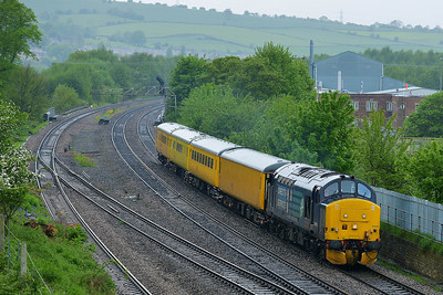 Class 37 No 37419 at Mirfield on 8 May 2014 with the 1Q13 08:35 Neville Hill T&R.S.M.D. – Barnsley