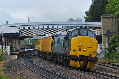Class 37 No 37419 at Dewsbury on 8 May 2014 with the 1Q13 08:35 Neville Hill T&R.S.M.D. – Barnsley