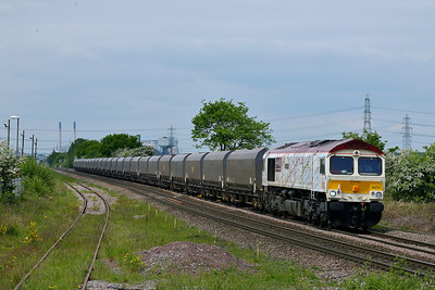 Class 66 No 66721 at Whitley Bridge on 15 May 2014 with the 6C09 08:45 Immingham H.I.T. – Eggborough Power Station