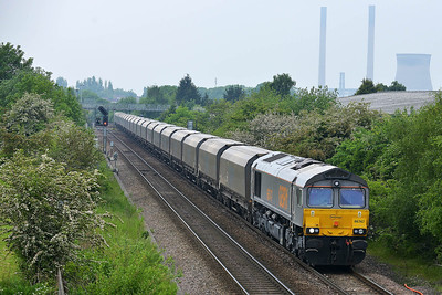 Class 66 No 66747 at Knottingley on 20 May 2014 with the 6H12 06:23 Tyne Coal Terminal – Drax Power Station