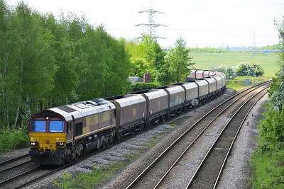 Class 66 No 66092 at Burton Salmon on 14 May 2014 with the 4N17 06:23 Cottam Power Station – North Blyth