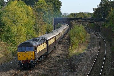 Class 47 No 47790+47828 in Horbury Cutting on 5 October 2014 with the 5Z88 10:01 Crewe C.S. – Leeds