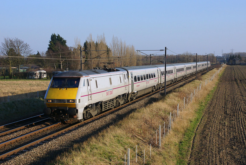 Passing Botany Bay 91131 Heads north with 1S22 14:45 London Kings Cross to Edinburgh East coast service.09/03/2014.